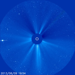 2013-06-09-NOAA-latest-sun-picture-blue