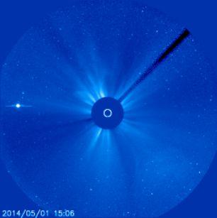 2014-05-01-NOAA-latest-sun-picture-blue