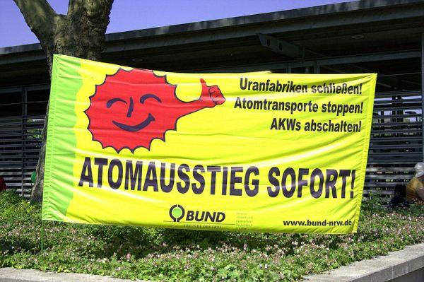 Atomausstieg_sofort_-_Transparent_BUND_NRW_2011