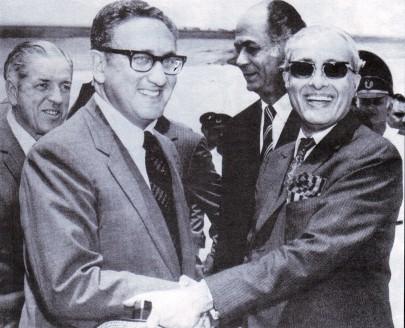 Ambassador_Hilaly_receiving_US_Secretary_of_State_Henry_Kissinger_in_Rawalpindi_on_8_July_1971