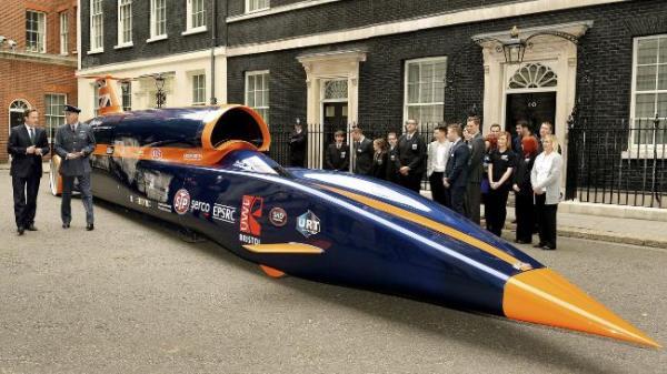 economist-jan2015-schnellstes-auto-der-welt