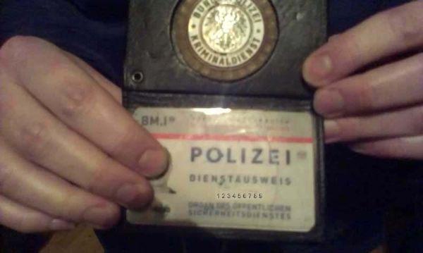 Polizeiausweis-k