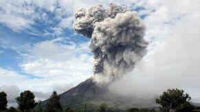 w3000 - 2013-11 - Indonesien-Sinabung-Vulkan2
