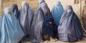 frauen-in-afghanistan-zurc3bcck-zur-scharia