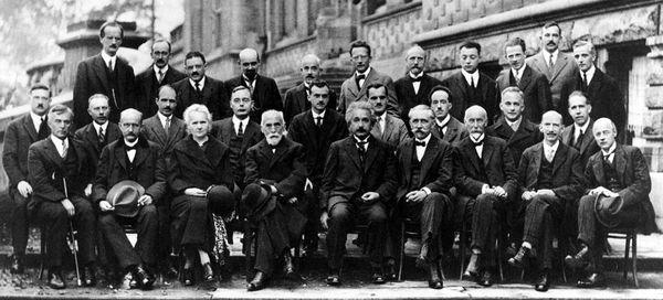 Wissenschaftler der Solvay_conference_1927